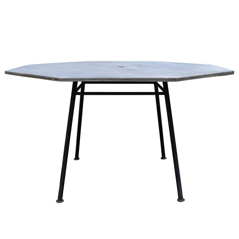 Sculptura Table in Slate For Sale
