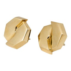 Sculptural 18 Karat Yellow Gold Earclips