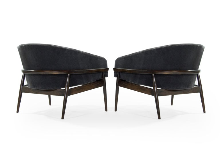 Sculptural Barrel Lounge Chairs By Milo Baughman 1950s At