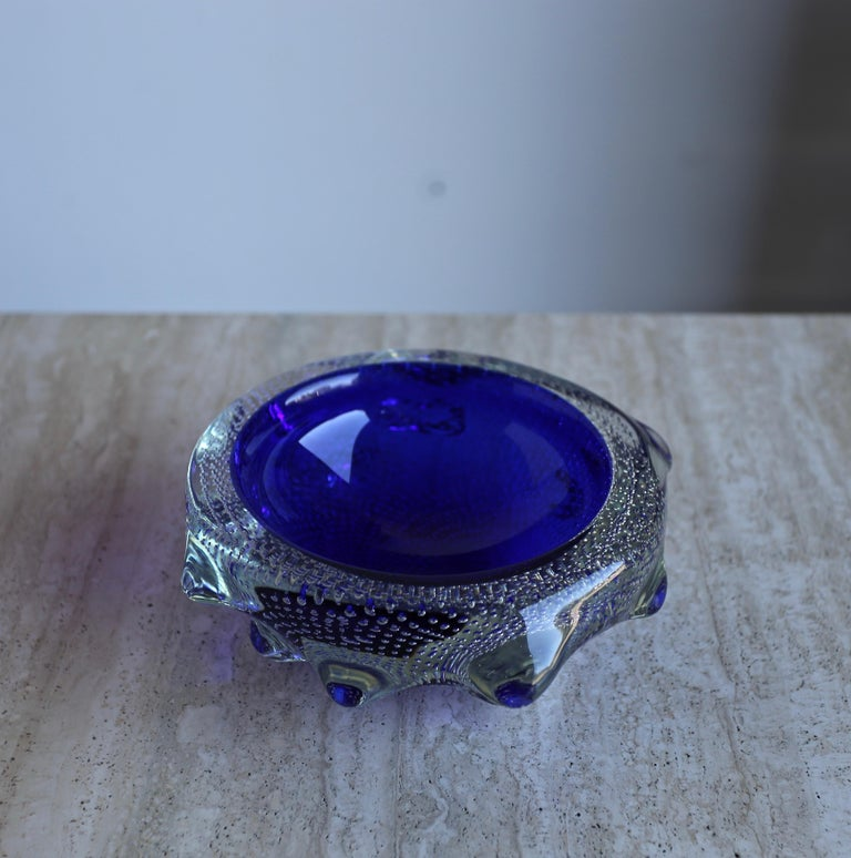 Sculptural Blue Murano Art Glass Bowl, circa 1960s For Sale 1