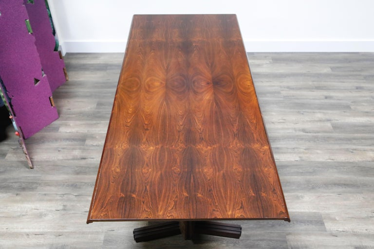 Sculptural Brazilian Rosewood Dining Table by Novo Rumo, Brazil, 1960s  For Sale 3