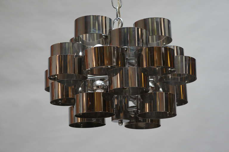 Sculptural Chrome Chandelier by Sciolari In Good Condition For Sale In Antwerp, BE