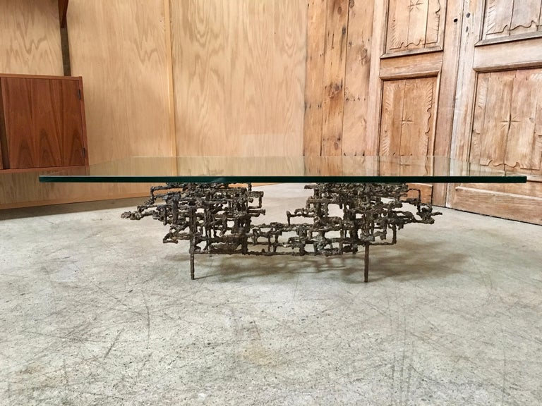 Mid-Century Modern  Sculptural Coffee Table in the Style of Daniel Gluck For Sale
