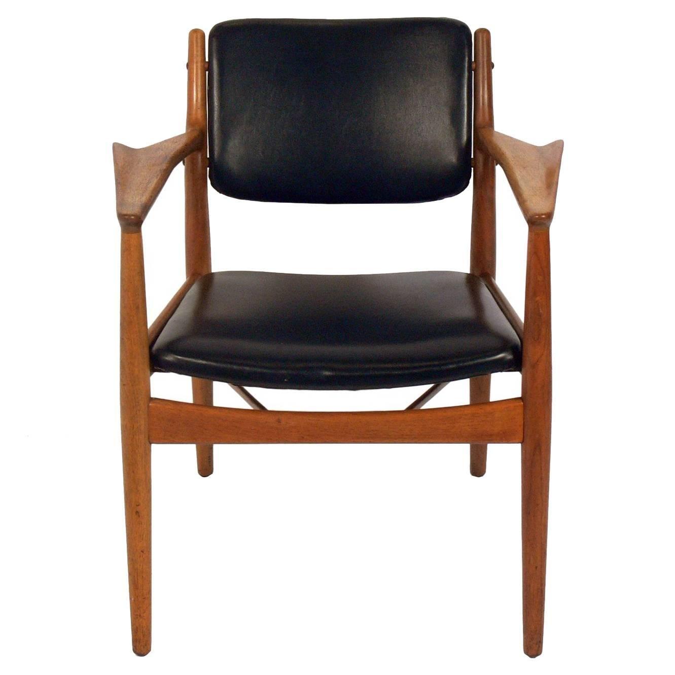 Sculptural Danish Modern Lounge Chair by Arne Vodder