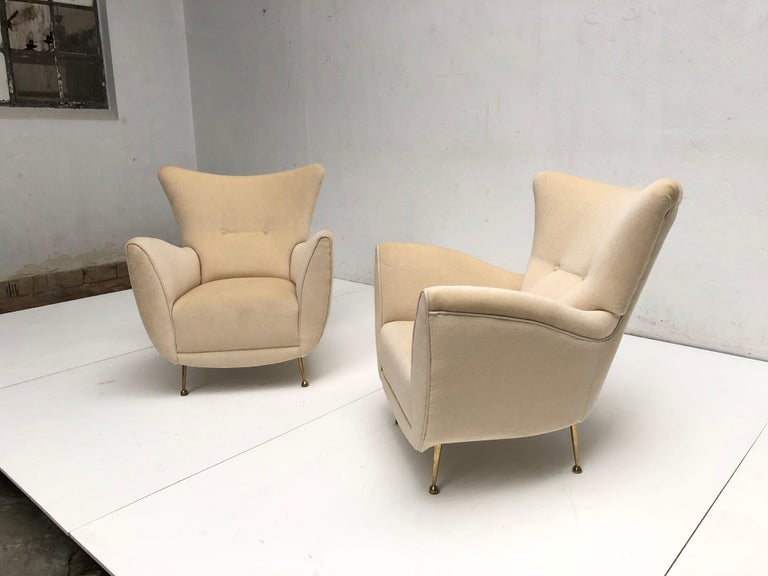 Sculptural Form Lounge Chairs, Mohair Fabric with Brass Legs, ISA, Italy, 1950 For Sale 2