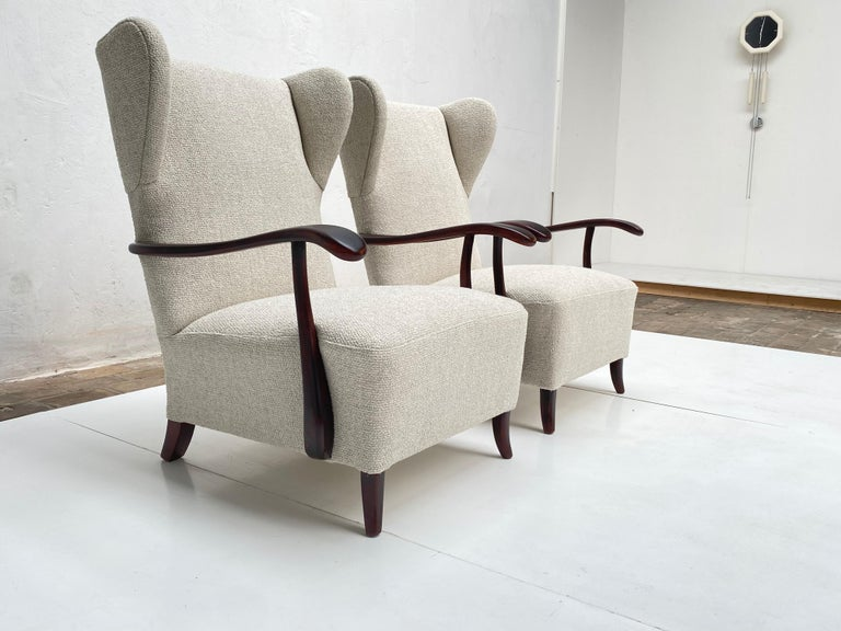 Sculptural Form Wing Back Lounge Chairs Attributed to Paolo Buffa, 1940s, Italy For Sale 3