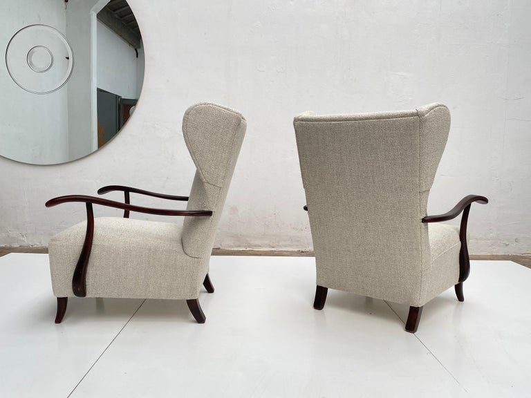 Mid-Century Modern Sculptural Form Wing Back Lounge Chairs Attributed to Paolo Buffa, 1940s, Italy For Sale