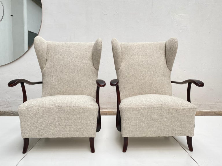 Italian Sculptural Form Wing Back Lounge Chairs Attributed to Paolo Buffa, 1940s, Italy For Sale