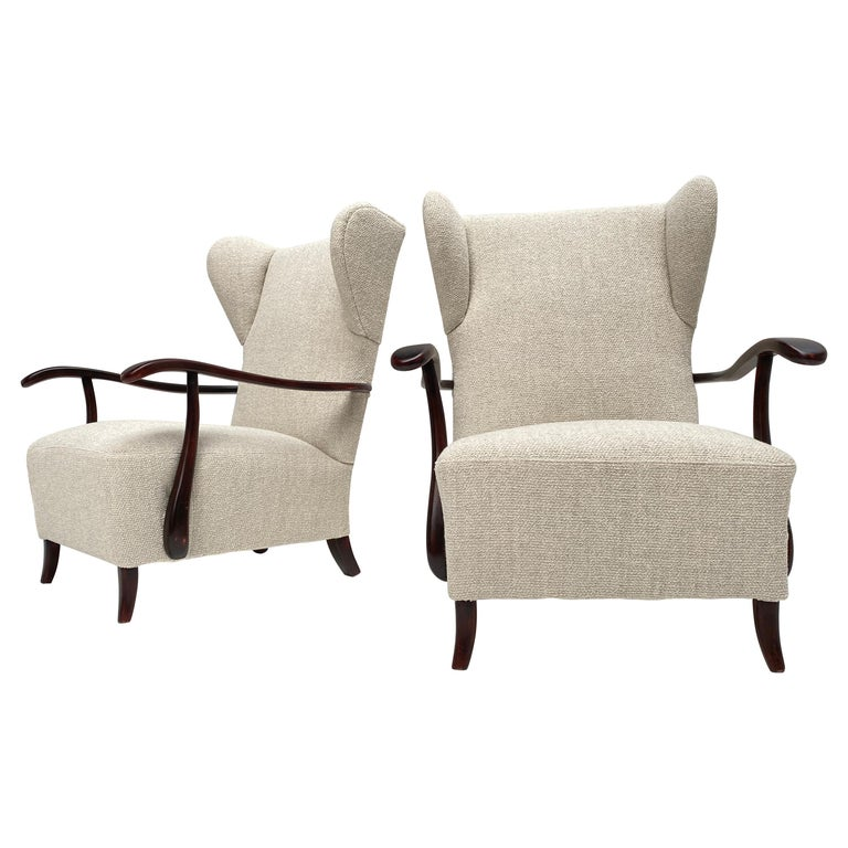 Sculptural Form Wing Back Lounge Chairs Attributed to Paolo Buffa, 1940s, Italy For Sale