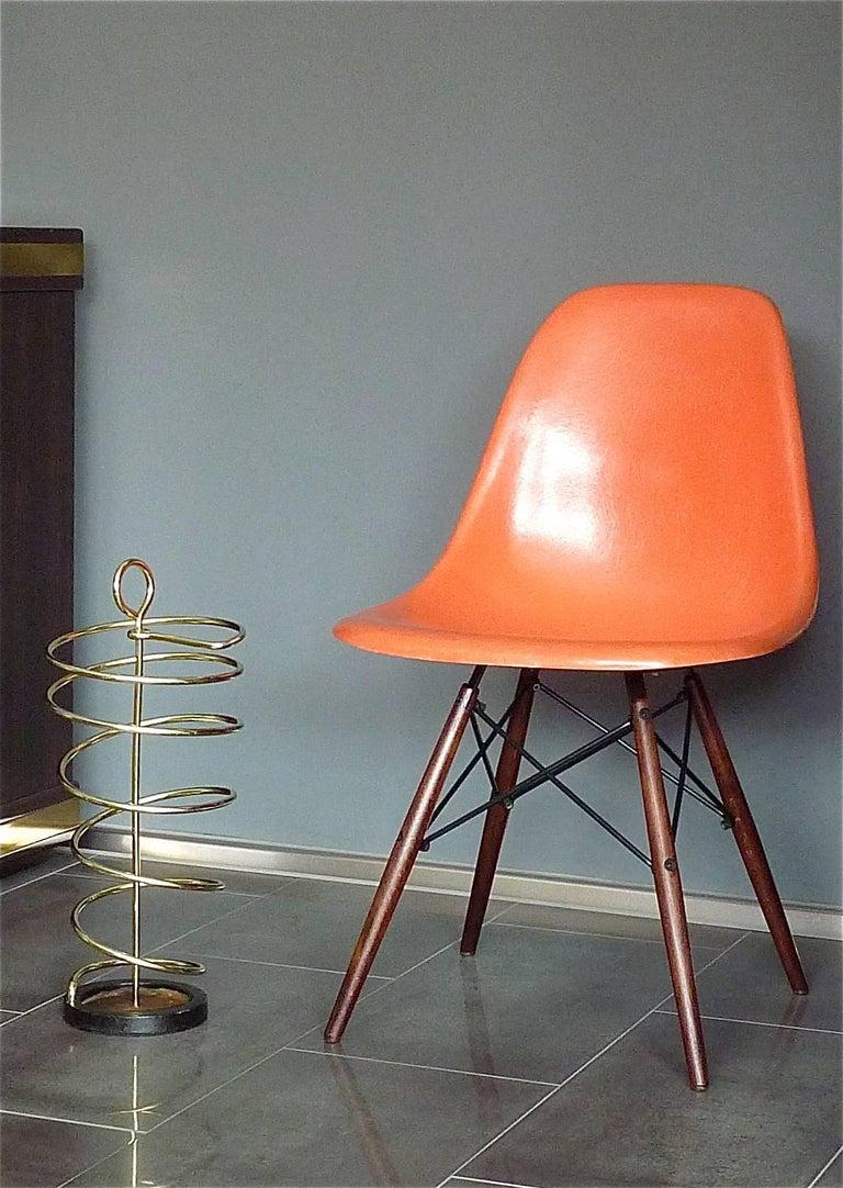 Sculptural Italian Umbrella Stand Golden Anodized Aluminum Spiral Iron, 1950s For Sale 7