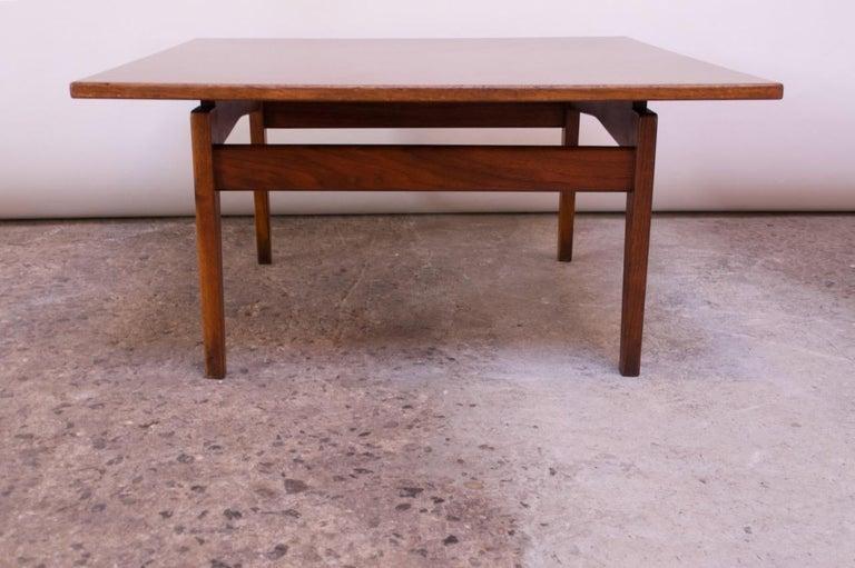 American Sculptural Jens Risom Walnut Coffee Table For Sale