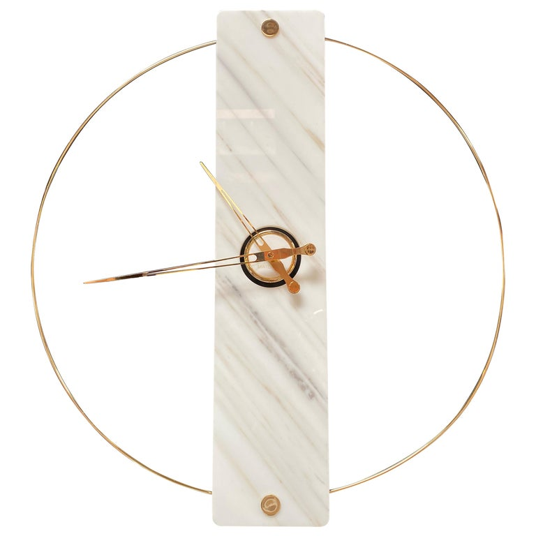 Sculptural Modern Clock 2019 with Carrara Marble and Finishes in 24-Karat Gold For Sale