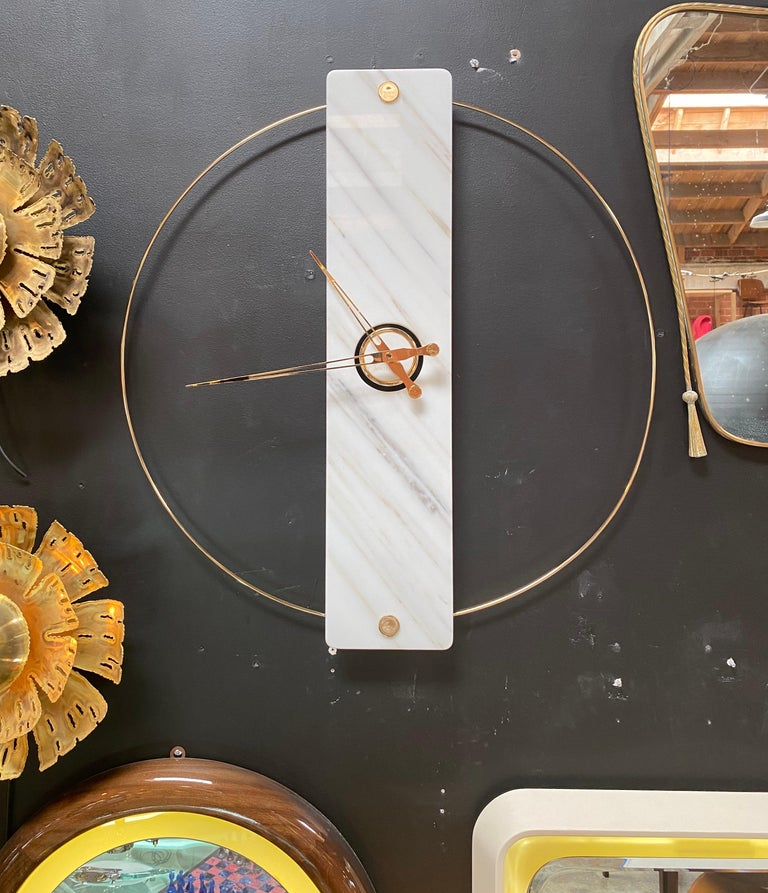 Sculptural Modern Clock 2019 with Carrara Marble and Finishes in 24-Karat Gold In New Condition For Sale In Los Angeles, CA