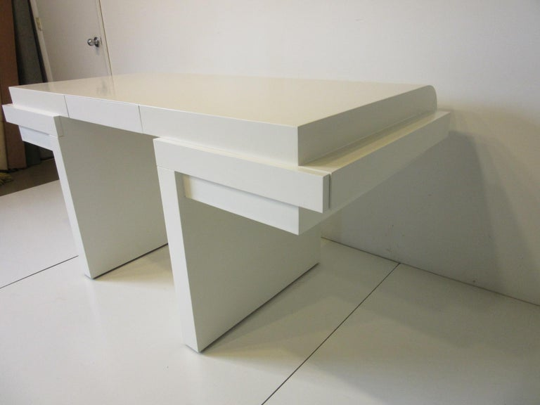 American Sculptural Modern Pedestal Desk in the Style of Steve Chase For Sale