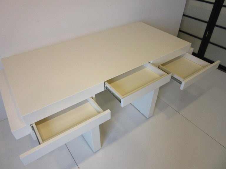 Sculptural Modern Pedestal Desk in the Style of Steve Chase For Sale 1