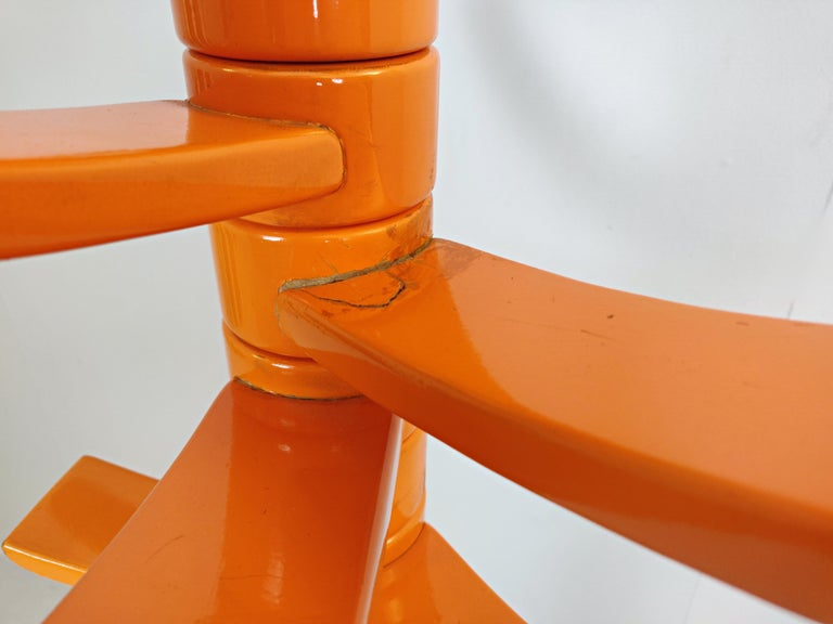 Sculptural Orange Lacquered Wood Coat Rack by Bruce Tippett Renna In Good Condition For Sale In Brussels, BE