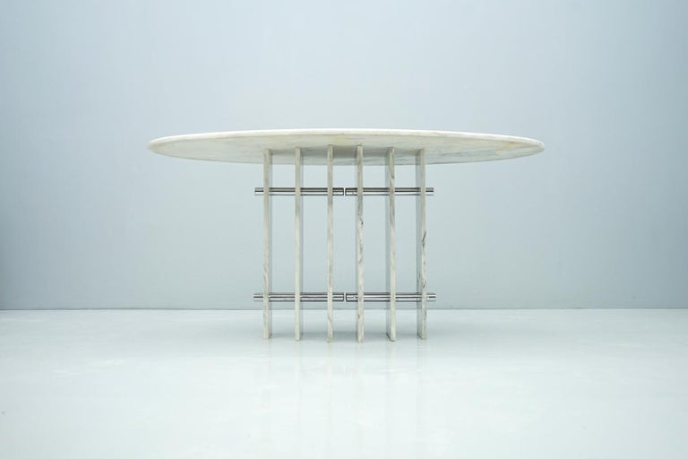 Italian Sculptural Oval Dining Table in Carrara Marble and Chrome, Italy, 1970s For Sale