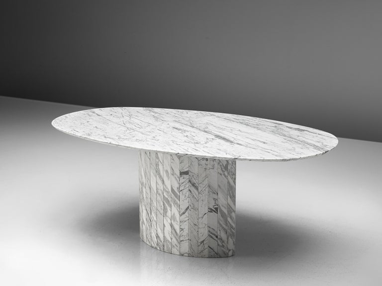 Sculptural Pedestal Table in Marble For Sale 1