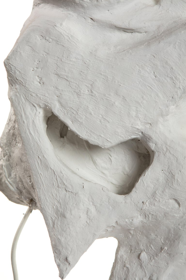 White Plaster Sculptural Table Lamp, 21st Century by Mattia Biagi For Sale 11