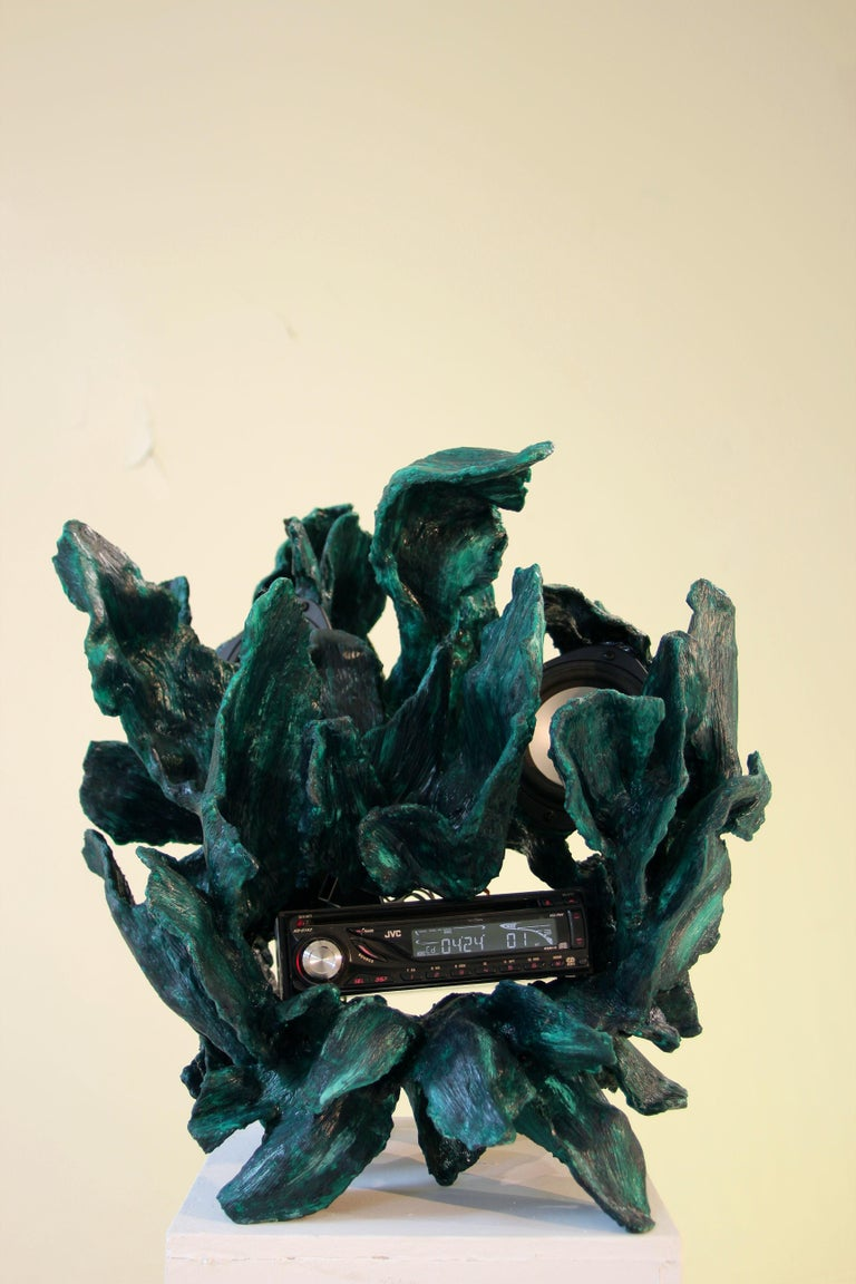 Sculptural Radio, CD-Player, Contemporary Design Made of Fiberglass, Unique, New For Sale 3