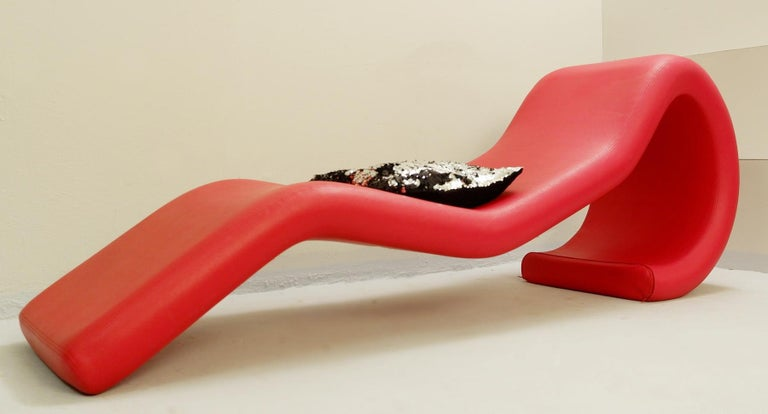 Sculptural Red Lounge Chair In Good Condition For Sale In Brussels, BE
