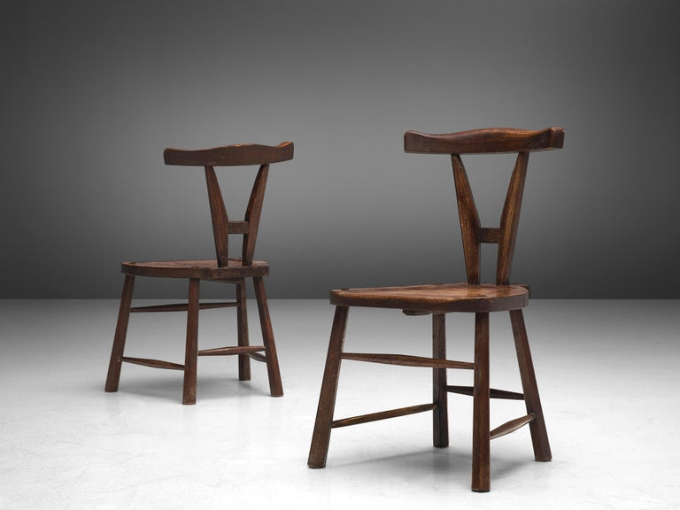 Sculptural Set of Six French Chairs in Solid Oak For Sale 1