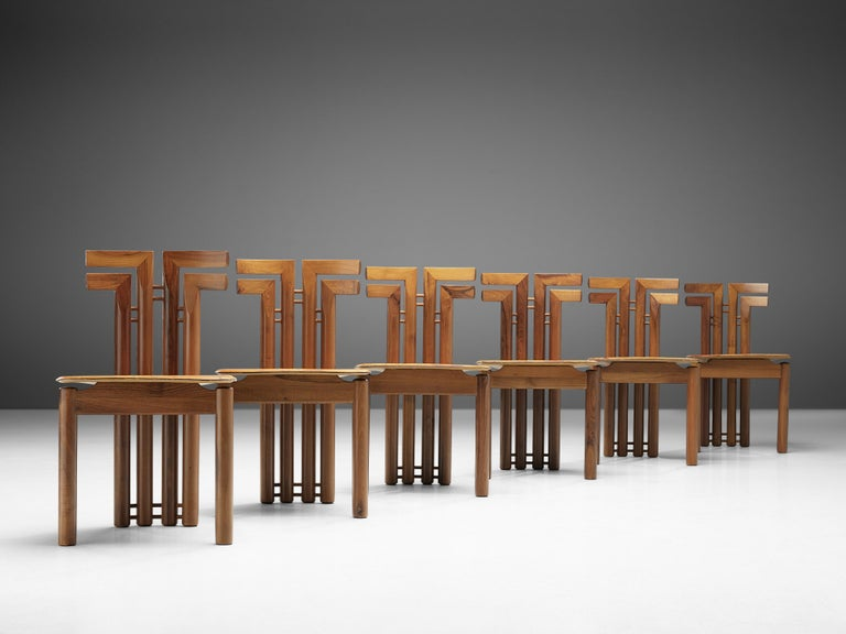 Sculptural Set of Six Italian Dining Chairs in Walnut In Good Condition In Waalwijk, NL
