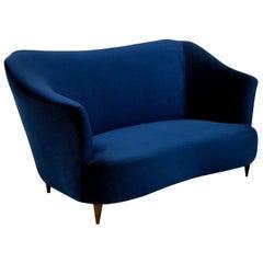 Super Stylish Sculptural Sofa By I.S.A
