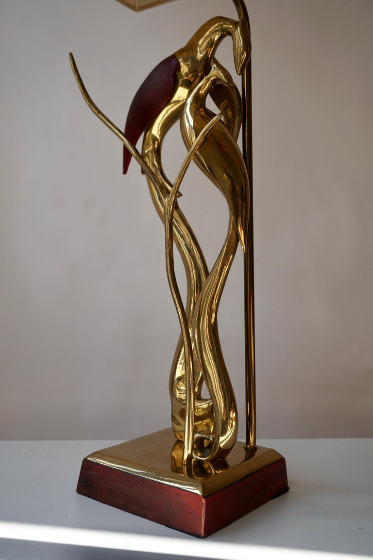 Sculptural Table Lamp with Birds in Brass and Leather, 1970s For Sale 6