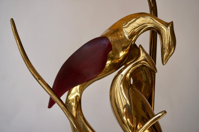 Sculptural Table Lamp with Birds in Brass and Leather, 1970s For Sale 8