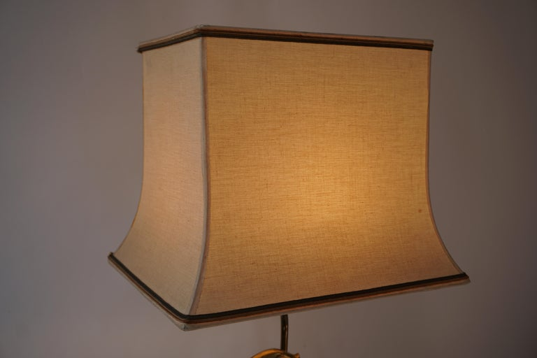 Sculptural Table Lamp with Birds in Brass and Leather, 1970s For Sale 10