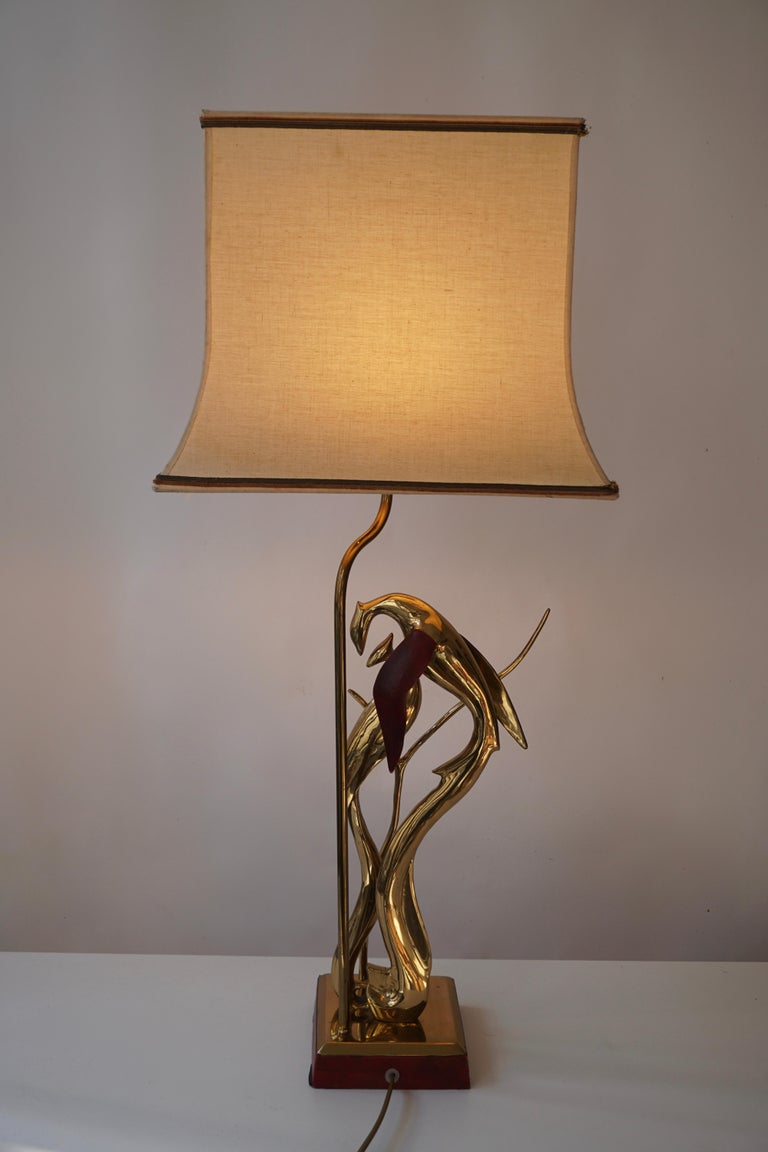 Sculptural Table Lamp with Birds in Brass and Leather, 1970s For Sale 3