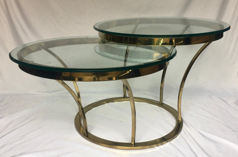 Mid-Century Modern Sculptural Two-Tier Asymmetrical Brass and Glass Round Cocktail Coffee Table For Sale