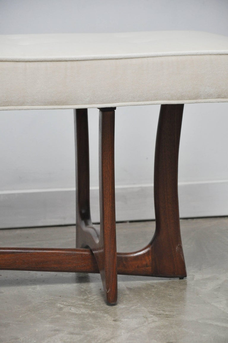 Mid-Century Modern Sculptural Walnut Bench with Cream Upholstery, Adrian Pearsall For Sale