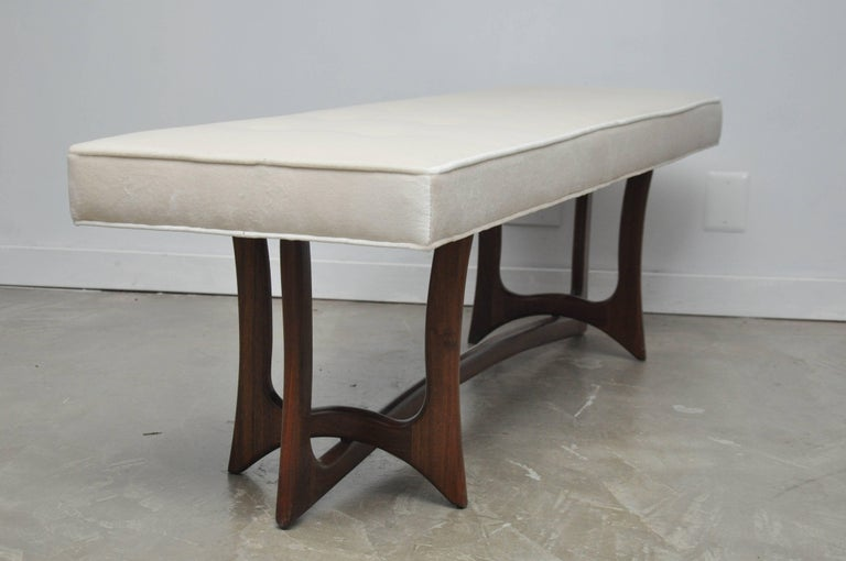 Sculptural Walnut Bench with Cream Upholstery, Adrian Pearsall In Excellent Condition For Sale In Chicago, IL