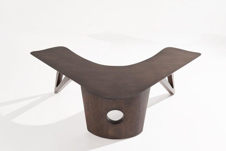 Mid-Century Modern Sculptural Walnut Boomerang Coffee Table, 1950s