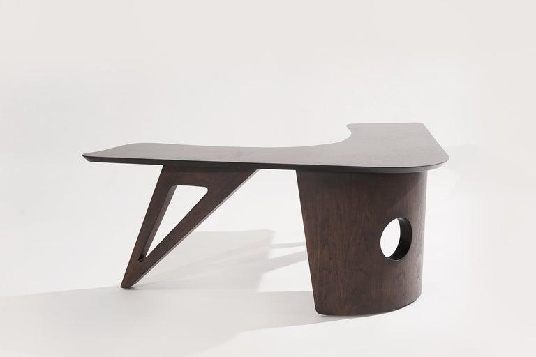 American Sculptural Walnut Boomerang Coffee Table, 1950s