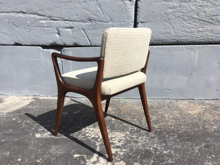 Sculptural Walnut Dining Chairs in the Style of Gio Ponti For Sale 6