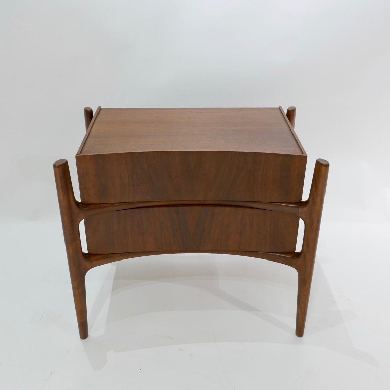 Swedish  Sculptural William Hinn, Urban Furniture Scandinavian Nightstand or End Table For Sale