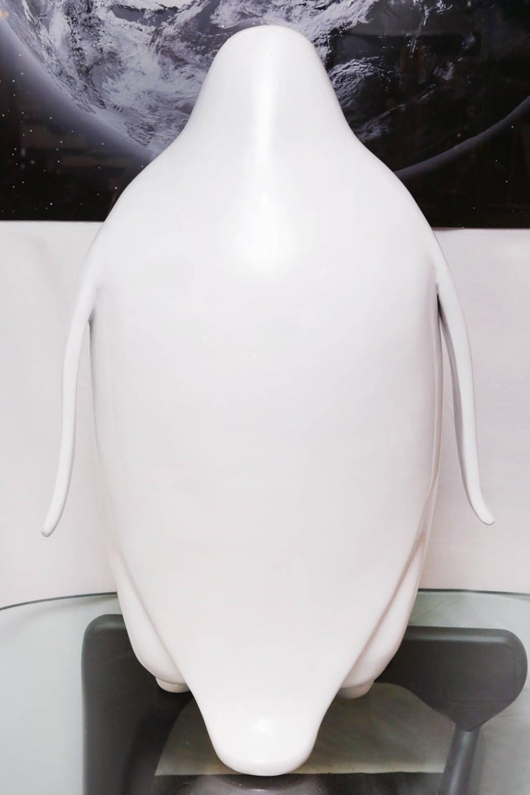 Sculpture Emperor Penguin in Lacquered Resin For Sale 1