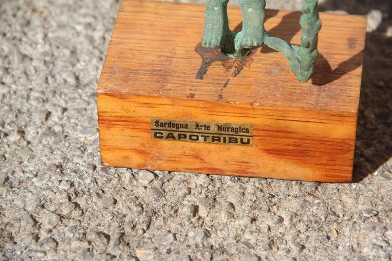 Sculpture in bronze art Nuragica Sardinia 1960s wood base Chieftain.