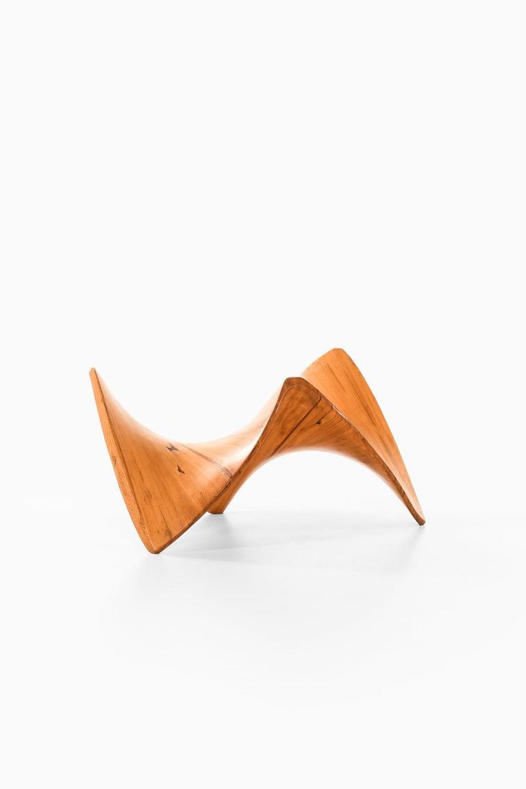 Scandinavian Modern Sculpture in Pine Wood by Unknown Designer For Sale