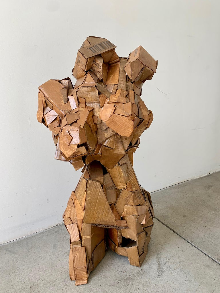 Sculpture of a Woman In Good Condition For Sale In Los Angeles, CA
