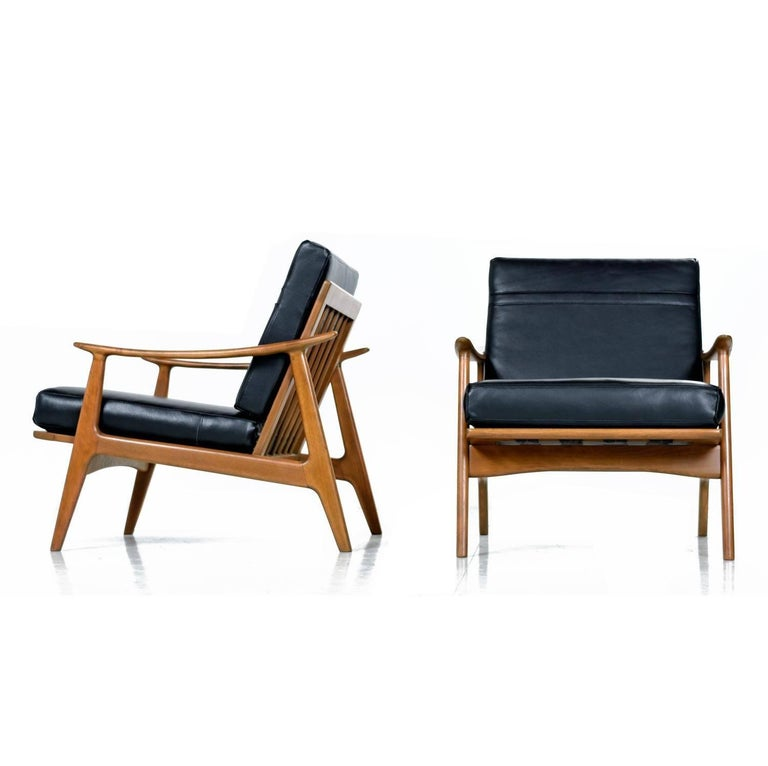 Sculpturelle Danish Lounge Chairs By Rubee Solid Beechwood