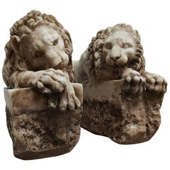 """Sculptures """"A pair of Lions"""" Aglomarble"""