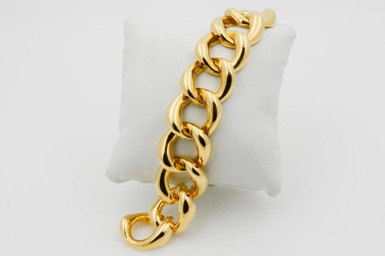 Modern Seaman Schepps 18 Karat Yellow Gold Link Bracelet For Sale
