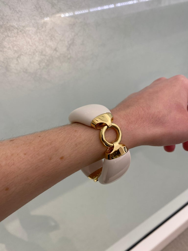 Seaman Schepps Boat Link 18 Karat Yellow Gold White Ceramic Bracelet For Sale 4
