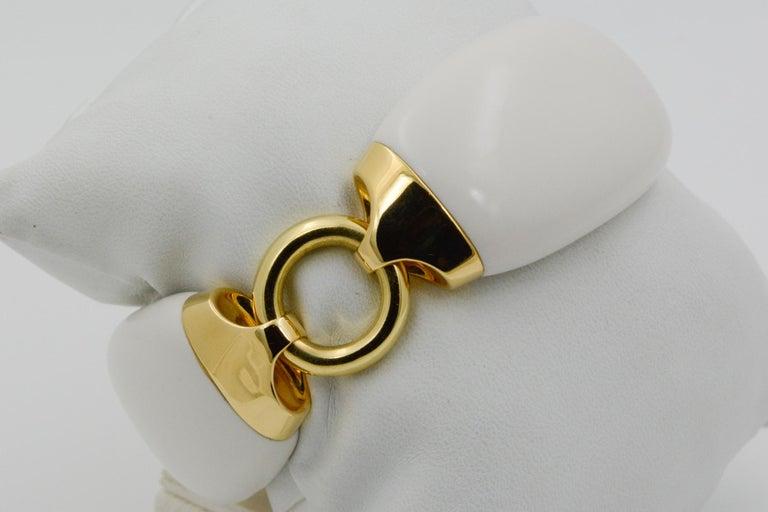 Women's Seaman Schepps Boat Link 18 Karat Yellow Gold White Ceramic Bracelet For Sale