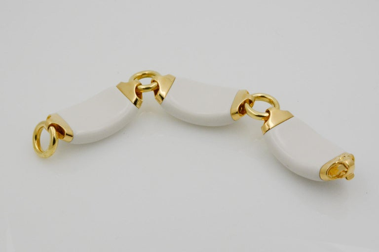Seaman Schepps Boat Link 18 Karat Yellow Gold White Ceramic Bracelet For Sale 1