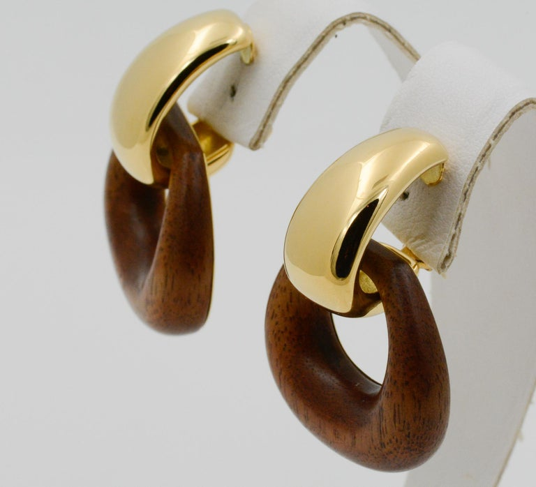 Seaman Schepps Madison Buckle Drops 18 Karat Gold and Walnut Wood Earrings In New Condition In Dallas, TX